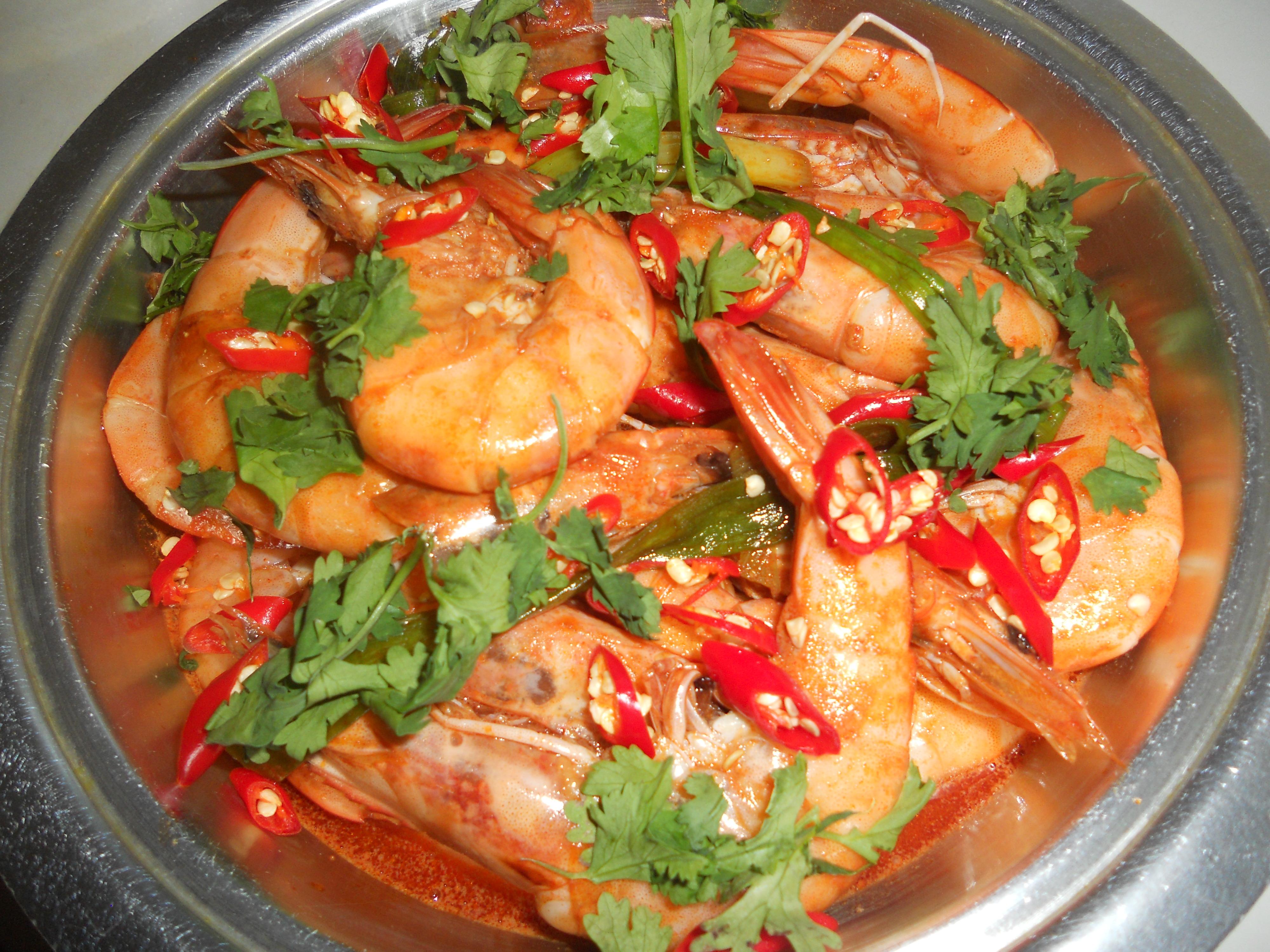 Pan-fried prawn and chilli