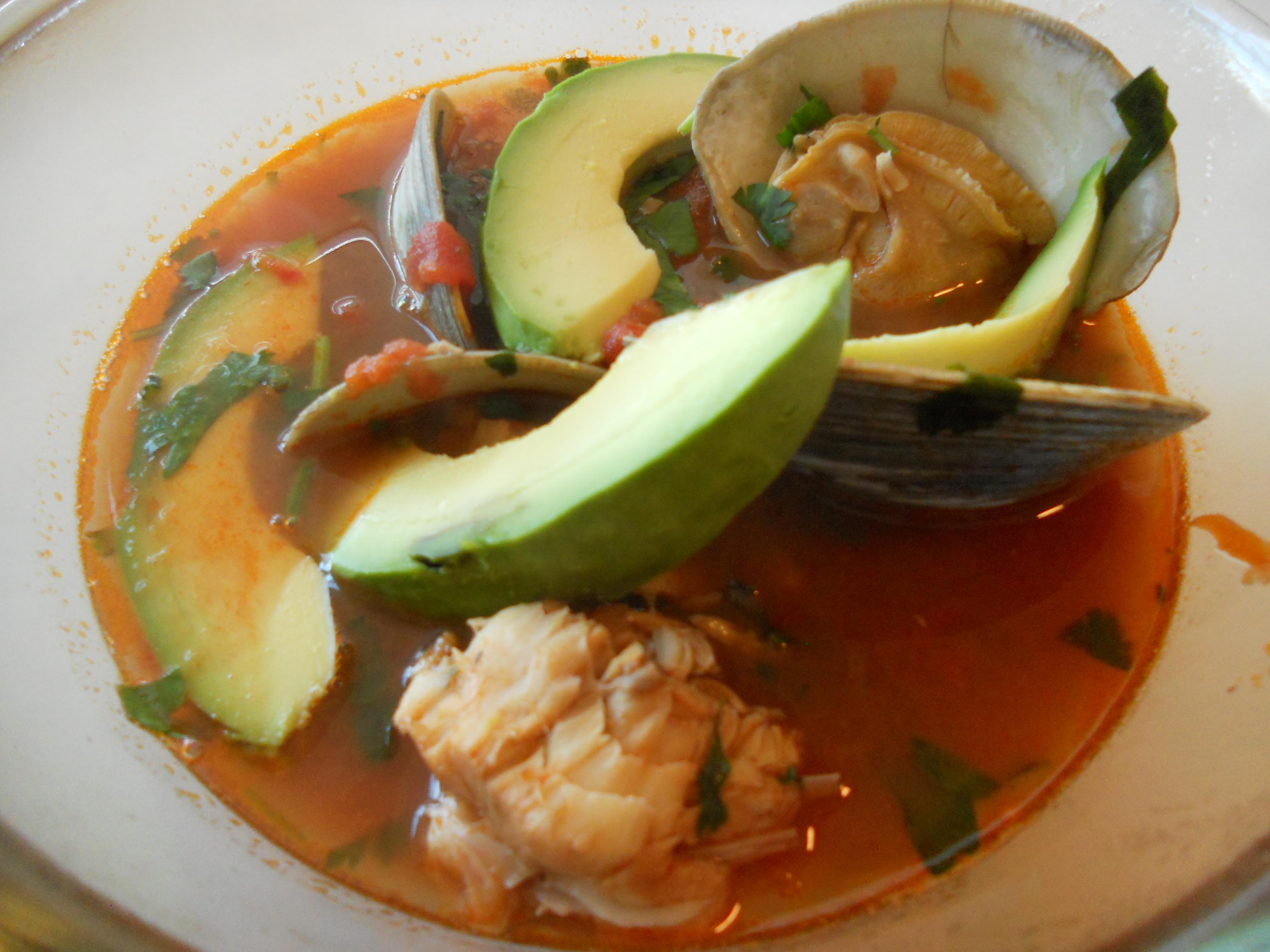Pan asian sancocho de cabeza de pescado fish head soup for Fish head soup
